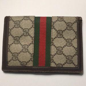 Gucci Vintage Passport wallet